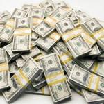 不倫浮気をする男性のタイプ「お金を持っている人」